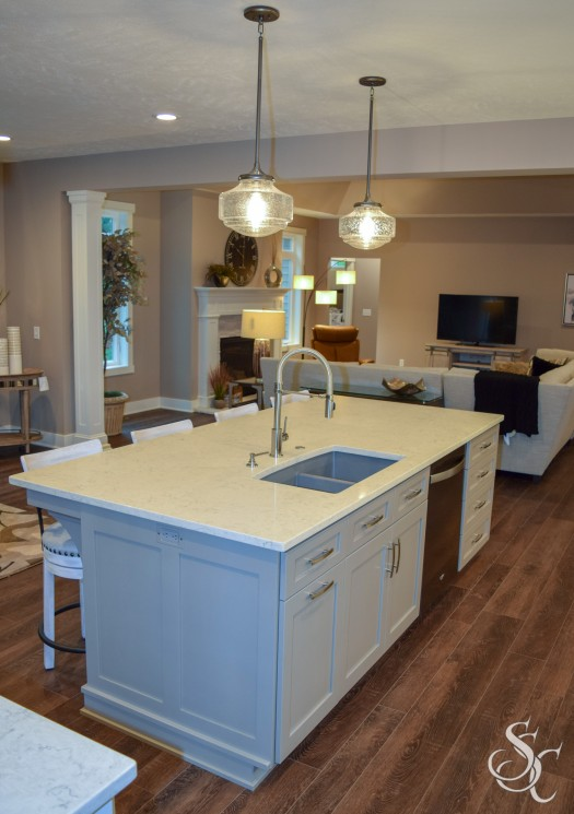 Kitchen Island, Pendant Lights, Extra Seating, Custom